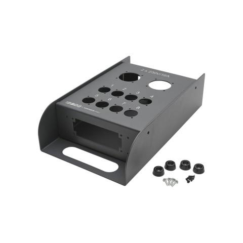 SOMMER CABLE Stagebox-Leergehäuse, THE BOXX, 2 x Schuko / 8 x Typ-D / Seitlich: 2 x Multipin-Stanzung 16/24er / Innen: 5 x M3 Gewinde für PE, 2 mm Stahlblech, grau